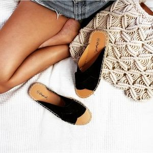 Shoes - 🆕️//The Elinore// Black vegan suede Sandal